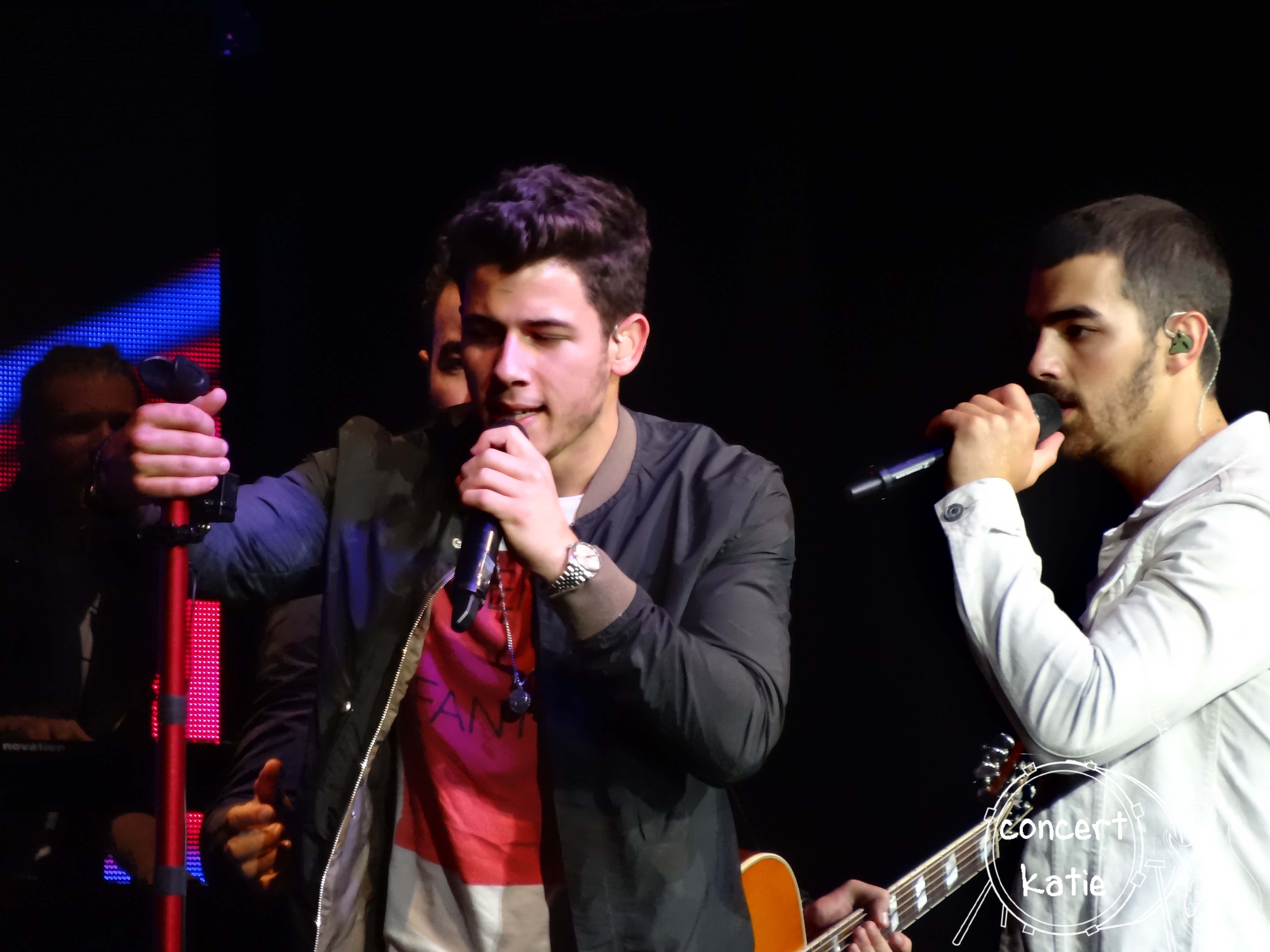 Jonas Brothers LMITE essay contest! Did you enter?